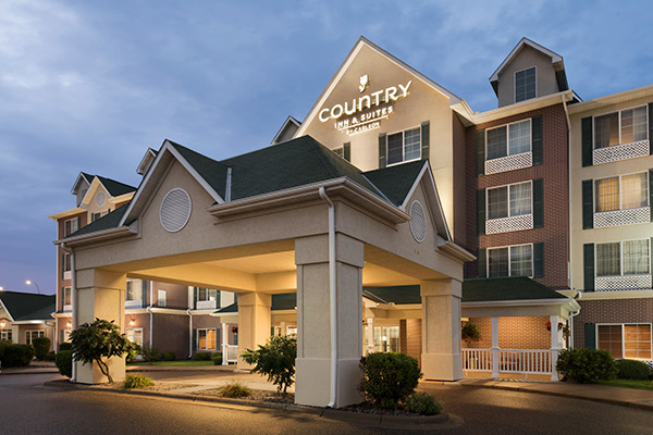 hotel-country-inn-suites-vadnais